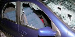 Siekierą zdemolował auto żony