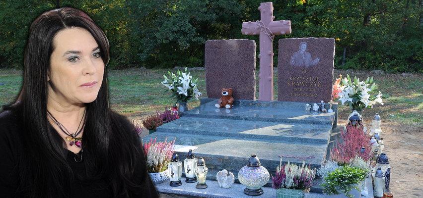 W sobotę poświęcenie nowego nagrobka Krzysztofa Krawczyka. Czy nad grobem dojdzie do pojednania?