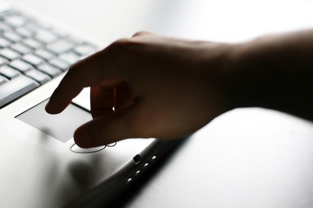 Ministerstwo Finansów namawia do składania deklaracji podatkowych za 2010 r. przez internet za pomocą systemu e-Deklaracje.