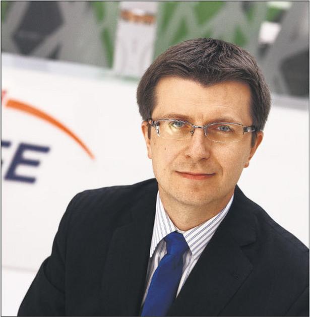 Prezes PGE Tomasz Zadroga wyraził w poniedziałek nadzieję, że Urząd Ochrony Konkurencji i Konsumentów zmieni swoją decyzję, zakazującą przejęcia przez tę spółkę Energi, zanim sprawa trafi do Sądu Ochrony Konkurencji i Konsumentów. Fot. DGP