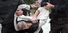 Pijany policjant chciał wjechać w tłum