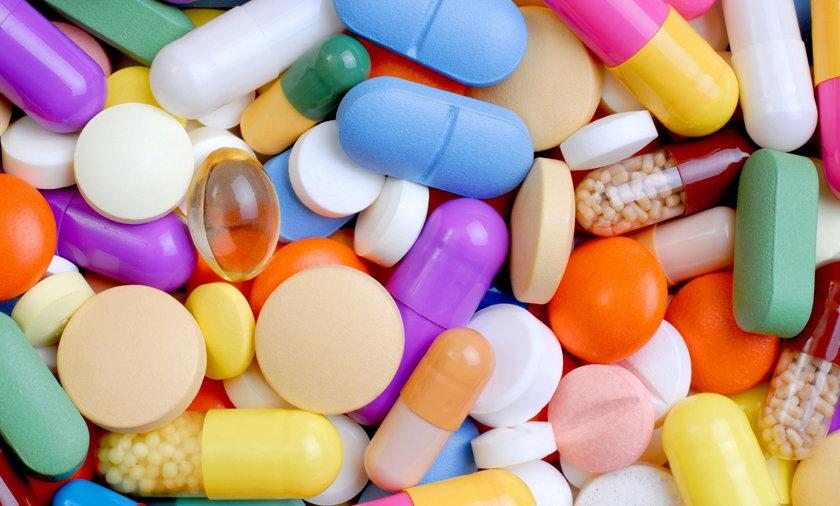 Przebadali suplementy witaminowe. Wyniki szokują
