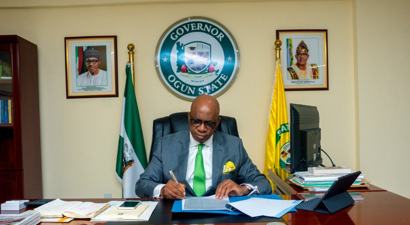 Gov. Abiodun gives automatic employment to Crescent University best graduating student