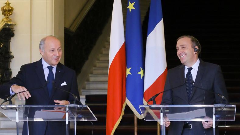 Minister spraw zagranicznych Grzegorz Schetyna (P) i minister spraw zagranicznych Francji Laurent Fabius (L)
