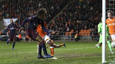 Alex Iwobi scores first FA Cup goal as Arsenal beat Blackpool 3-0