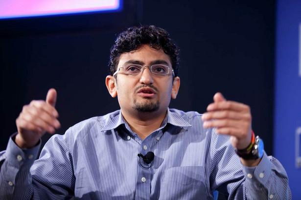 """Wael Ghonim podczas spotkania 15 kwietnia 2011 roku w siedzibie MFW w Waszyngtonie podczas konferencji """"Młodzi, Praca, Wzrost Gospodarczy w Afryce Północnej i na Bliskim Wschodzie"""". Fot. IMF Photograph/Stephen Jaffe (CC BY-NC-ND 2.0)"""