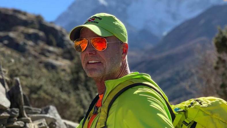 Utah man dies after climbing Mt. Everest, his seventh mountain on 7 continents [41nbc]