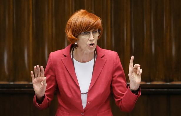 Minister rodziny, pracy i polityki społecznej Elżbieta Rafalska podczas posiedzenia Sejmu