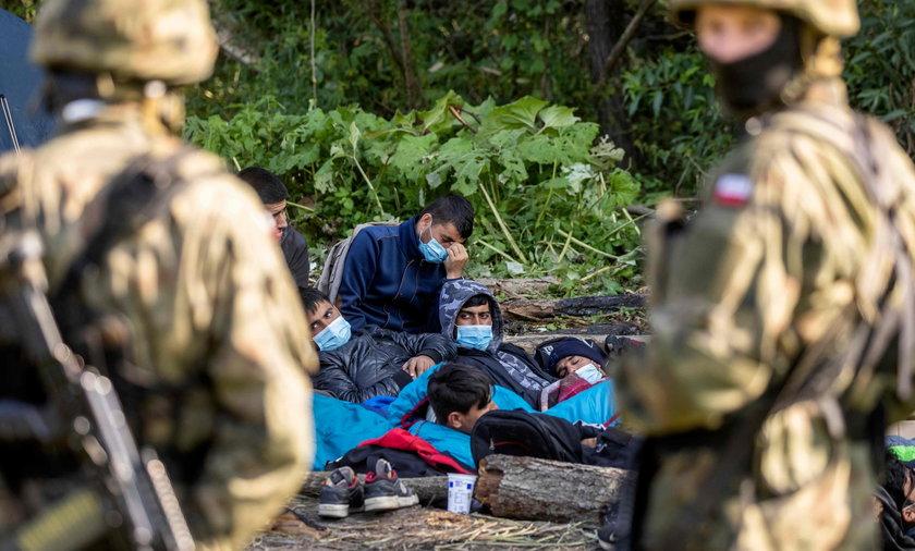 """Fundacja Ocalenie o imigrantce: """"Może niebawem umrzeć na oczach swoich dzieci""""."""