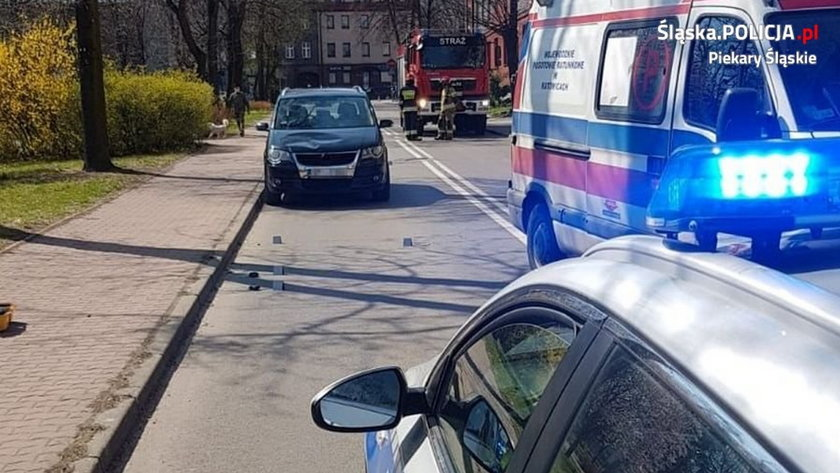 Horror w Piekarach Śląskich. 9-latek biegł pod auto