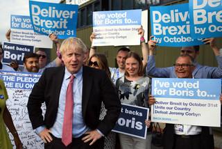 Od łez May do pragmatyzmu Johnsona. Oto jak wyglądał mijający rok z brexitem