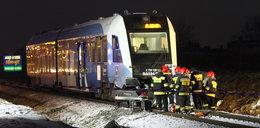 Tragedia na przejeździe kolejowym. Dwie osoby nie żyją