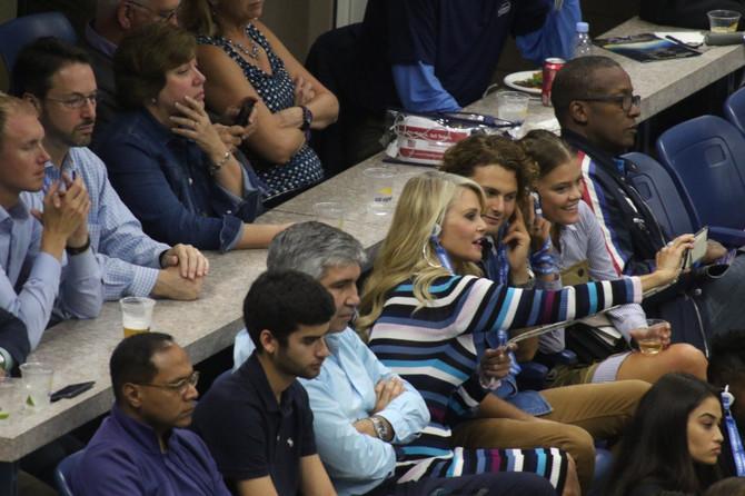 Kristi Brinkli sa sinom Džekom i manekenkom Ninom Adgal na finalu ovogodišnjeg US Opena u Njujorku