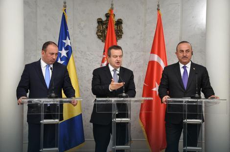 Ivica Dačić sa ministrima inostranih poslova Turske i BiH Mevlutom Čavušogluom i Igor Crnadakom