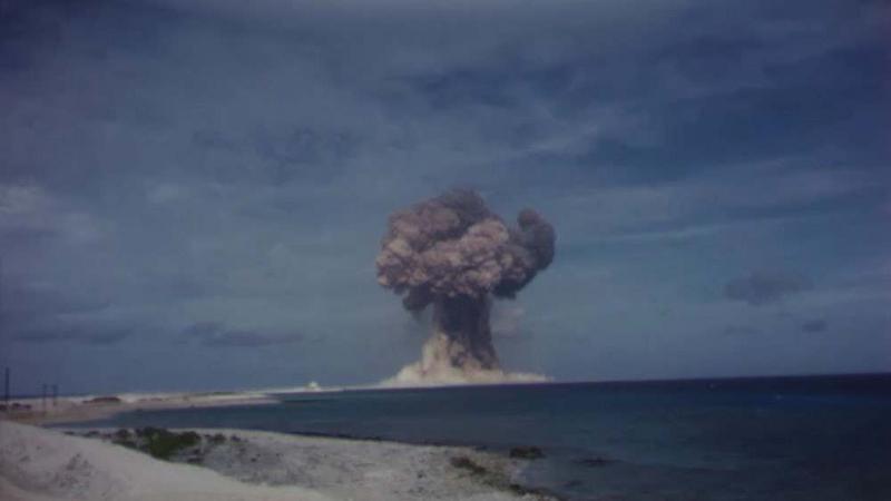 Filmy z odtajnionych prób atomowych udostępnione w internecie