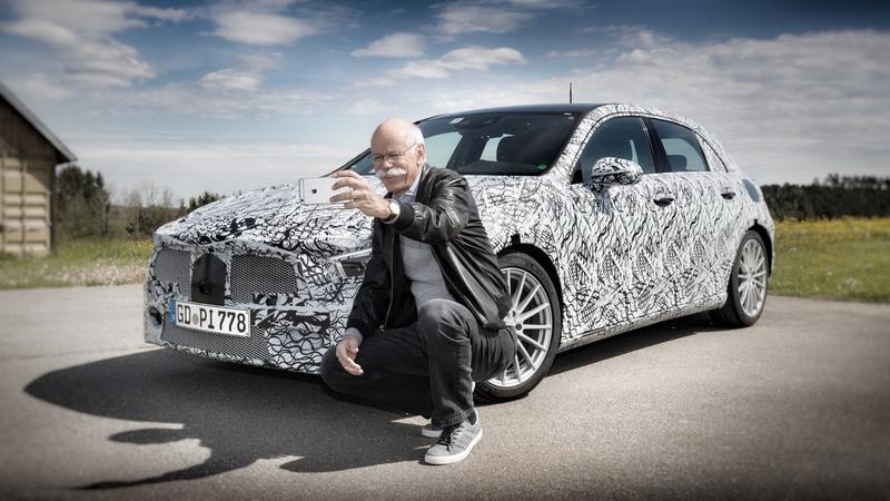 Dieter Zetsche prezentuję nowego Mercedesa Klasy A