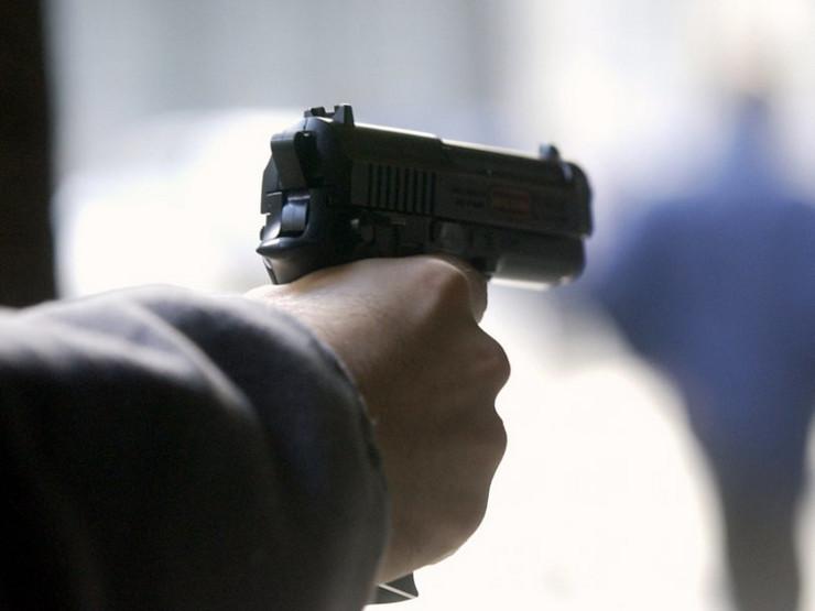 pistolj pucanj