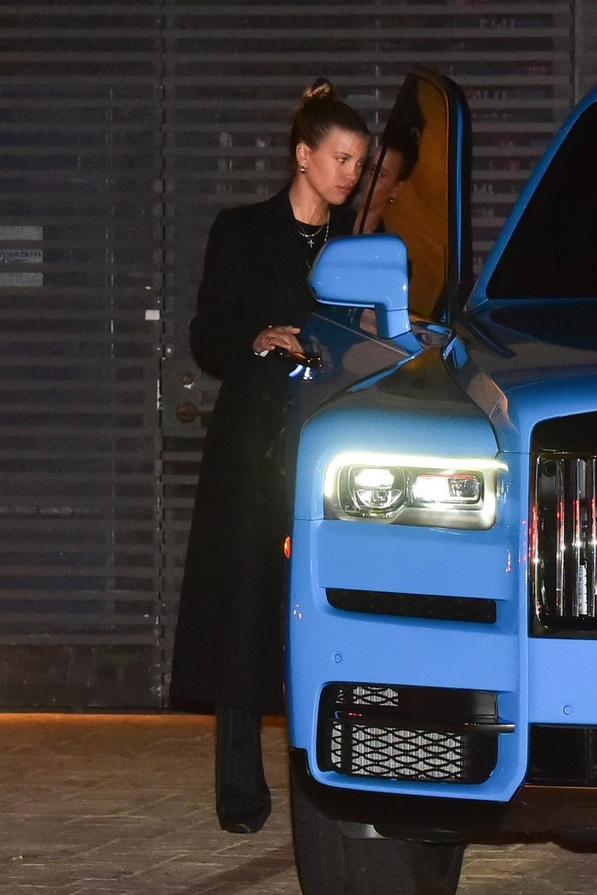 Sofija Riči u skupocenom automobili Kajli Džener