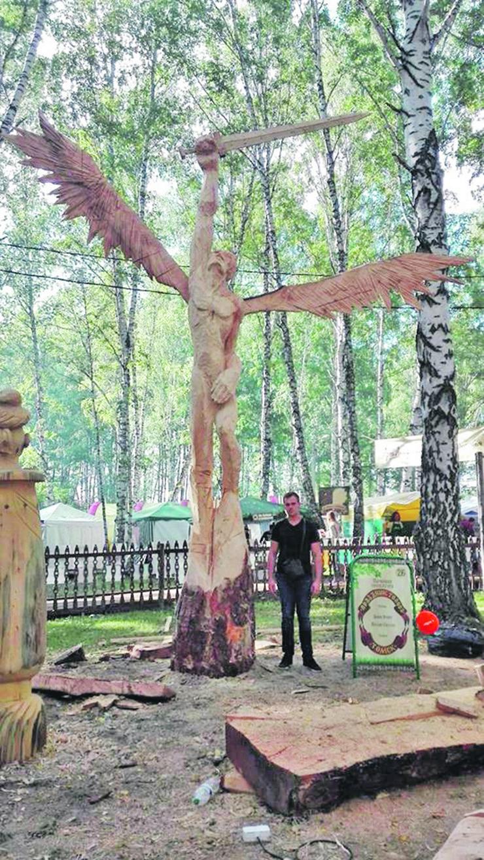 Tomsk 01 - Skulptura arhanđela Gavrila - Foto Privatna arhiva