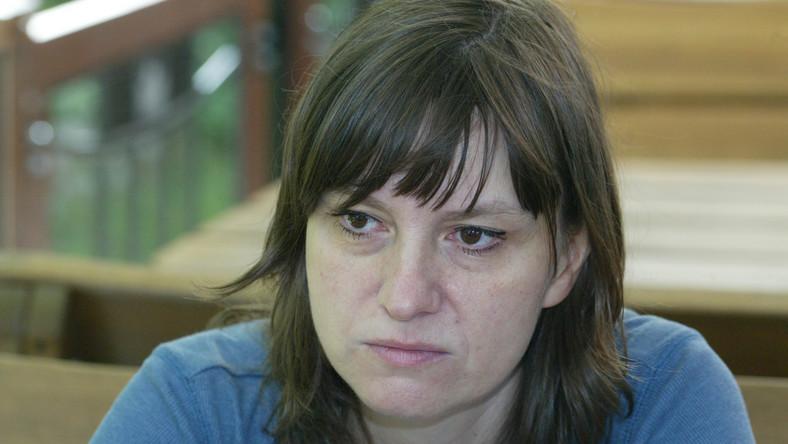 Ewa Stankiewicz jest absolwentką polonistyki na Uniwersytecie Wrocławskim i reżyserii na łódzkiej Filmówce.Na swoim koncie ma wiele nagradzanych filmów i reportaży telewizyjnych