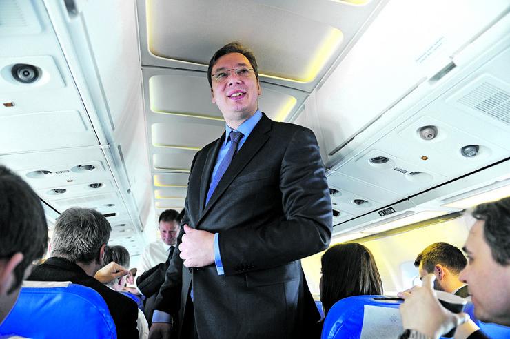 Aleksandar Vučić u avionu