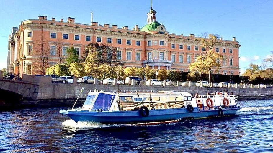 Miasto założone przez cara Piotra Wielkiego 27 maja 1703 r. przez ponad dwieście lat stał się stolicą Imperium Rosyjskiego.