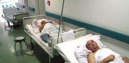 Polacy leżą na korytarzach, a na prezydenta czeka sala