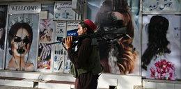 W Afganistanie niszczone są wizerunki kobiet