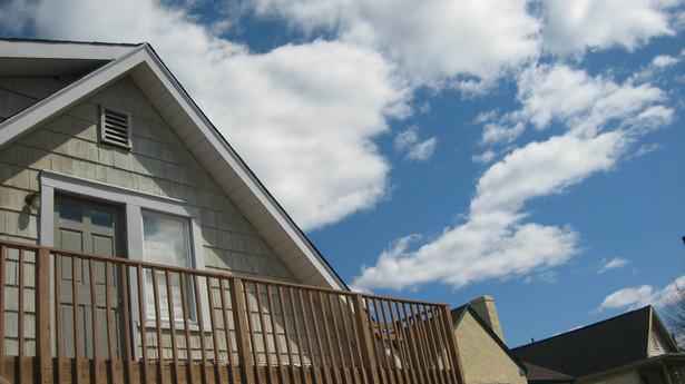 Właściciel mieszkania czy domu musi zapłacić podatek od nieruchomości.