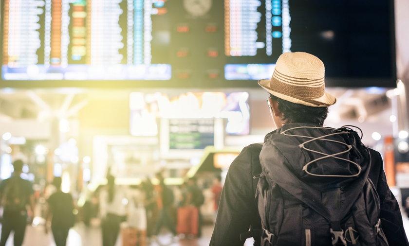 Zwrot kosztów za odwołany lot. Linie lotnicze tak tego unikają