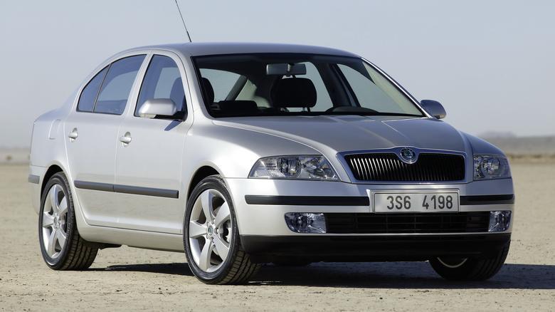 Octavia II zastąpiła model oferowany od 1996 roku.