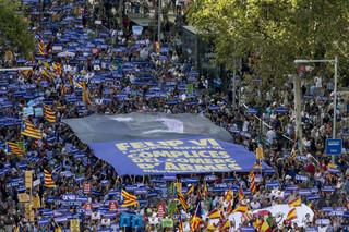 Hiszpania: W Barcelonie wielka manifestacja przeciwko terroryzmowi