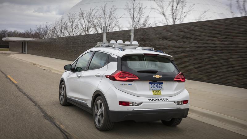 Chevrolet Bolt podczas testów autonomicznej jazdy w USA
