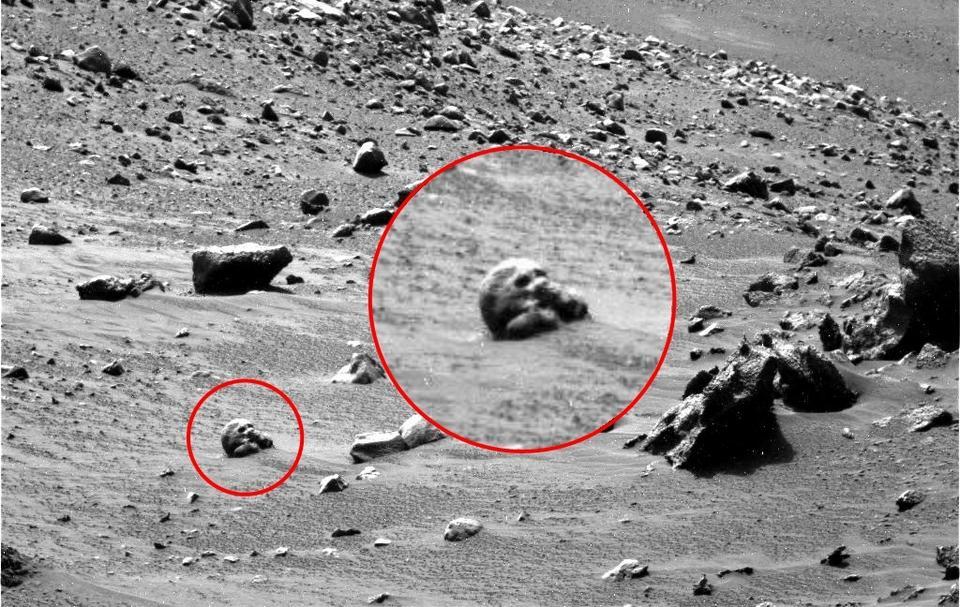 Tajemnicze obiekty na Marsie