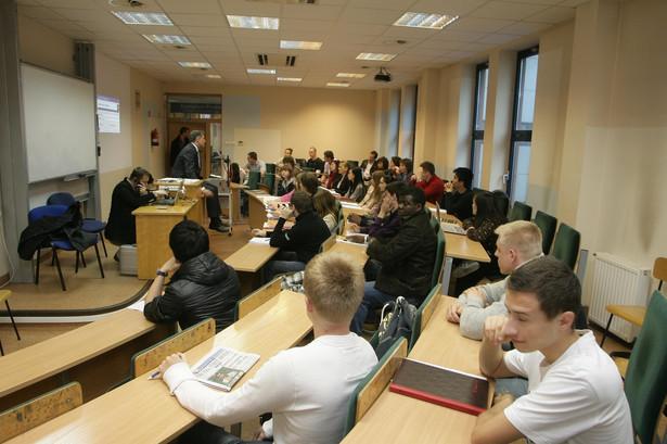 Akademia Leona Koźmińskiego (na zdjęciu) zajęła miejsce 37. Szkoła Główna Handlowa - 76.