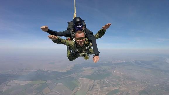 Nosio trubu oko vratra 3.000 metara kroz vazduh