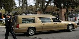 Ostatnie pożegnanie Whitney Houston. Spoczęła obok taty