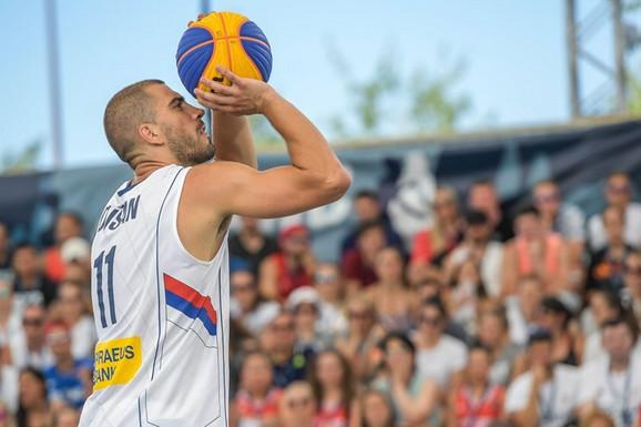 FIBA MU ZAPRETILA SANKCIJAMA! Velemajstor basketa se ODREKAO NAJVEĆEG SNA zbog Srbije i Olimpijskih igara!