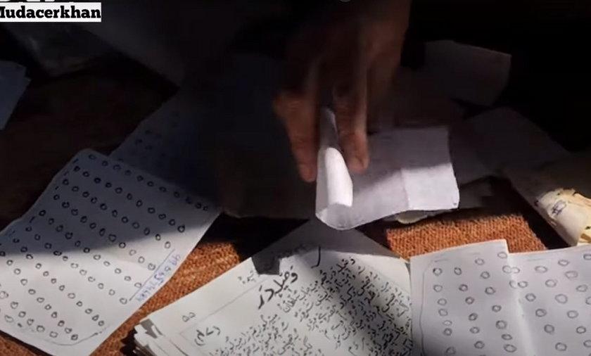 65-letnia Zareefa Jan od wielu lat tworzy swoją poezję.