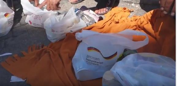 Roba i kese iz nemačke humanitarne pomoći