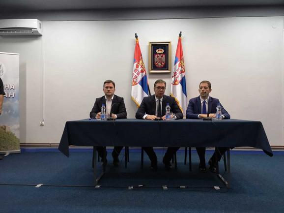 Aleksandar Vučić sa predstavnicima Srba na KiM