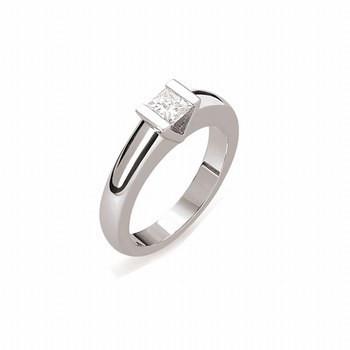 86da3add869856 ofeminin. ofeminin. Nowoczesny pierścionek zaręczynowy: ...