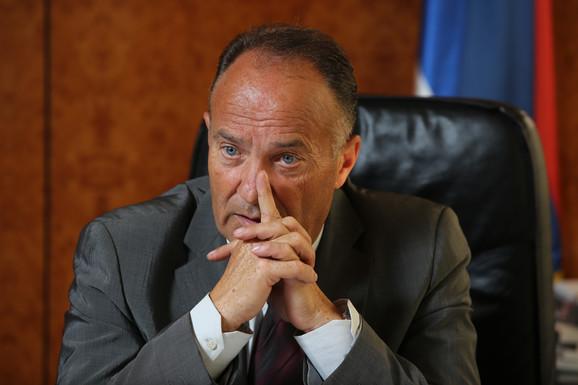 Mladen Šarčević, ministar prosvete