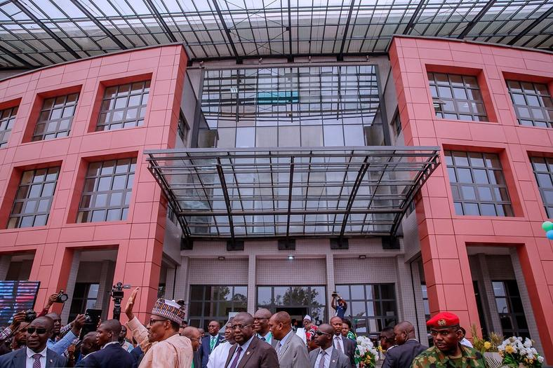 President Buhari inaugurates CBN Centre of Excellence in UNN