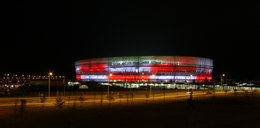Stadion miejski świeci jak chiński lampion