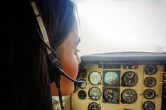 Ana je verovatno NAJLEPŠI PILOT NA SVETU, a kada vidite kako izgleda i sami ćete se vinuti u oblake (FOTO)