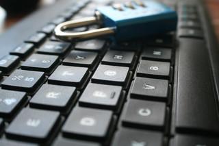 Cyberbezpieczeństwo po taniości. MF nie chce podnieść wynagrodzeń specjalistom