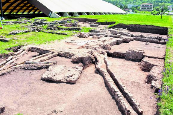 OTKRIVENE TERME RIMSKOG CARA KOD NIŠA Privatno kupatilo Konstantina Velikog iskopano u Medijani
