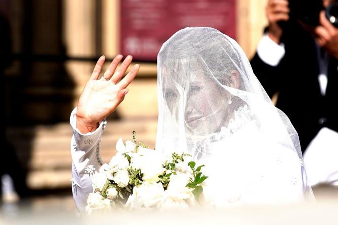 Udala se pevačica Eli Gulding!