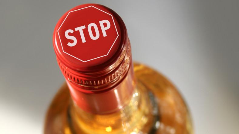 Niepokojący sondaż na temat picia akoholu przez Polaków